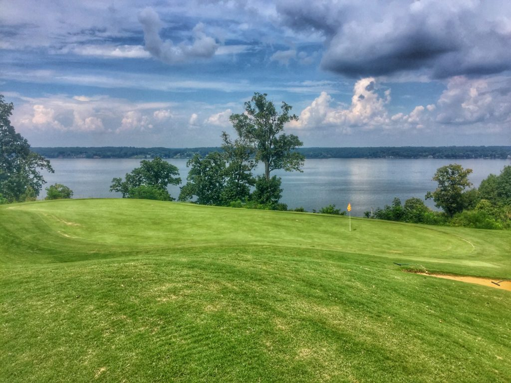 Hole 18 on Fighting Joe, Robert Trent Jones Golf Rail Muscle Shoals, Alabama